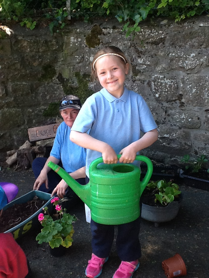 Boyle Parochial School | Gardening with Green Fingers Charlie
